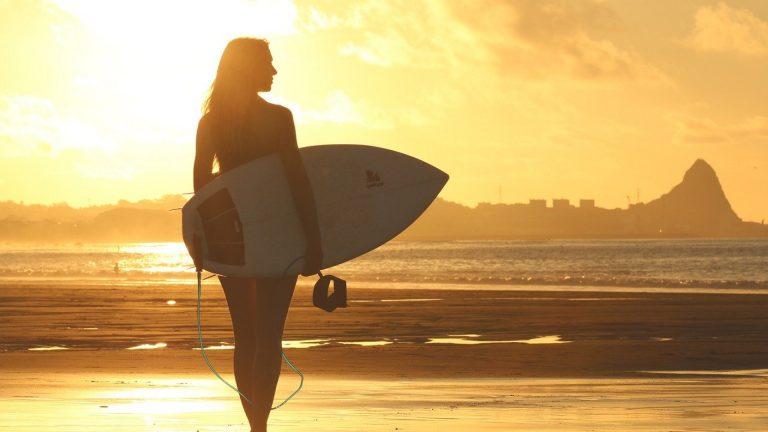 Des autocollants pour personnaliser votre planche de surf